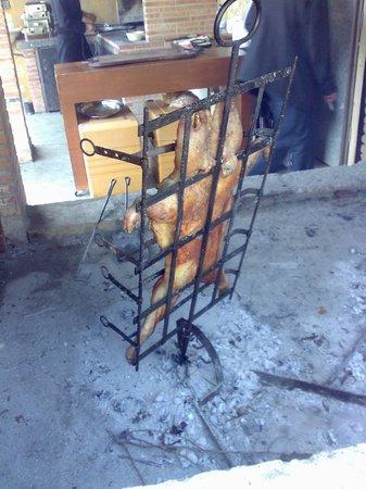 La Taba, Restaurant Càtering Carn a la Brasa: cochinillo al estilo patagónico