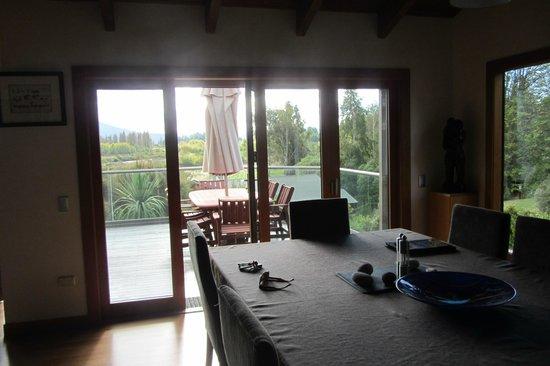 Tongariro Lodge: Deck