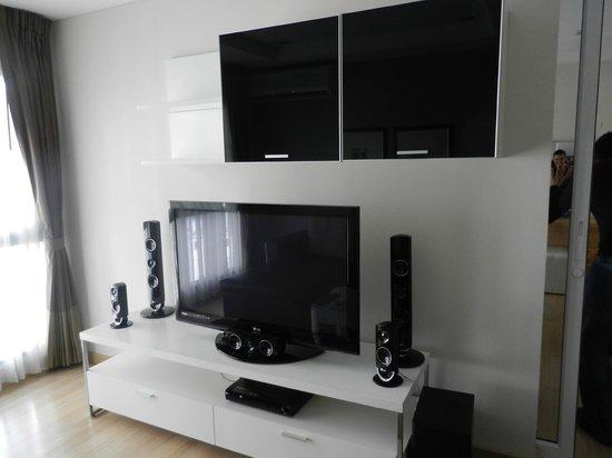 Baan K Residence by Bliston: Ecran plat et home cinéma