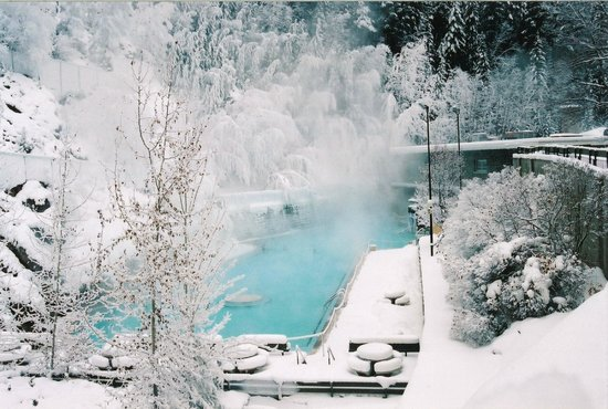 Radium Hot Springs Winter Shot- Credit Parks Canada, Ken Fisher