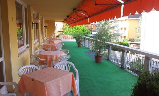 Meridiana Hotel: La terrazza all'esterno