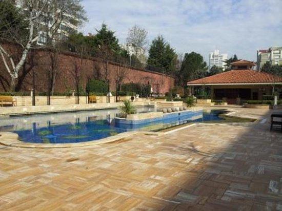 Grand Hyatt Istanbul: Swimming Pool