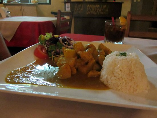 Restaurante Casa Esmeralda : Chicken in curry sauce with rice = yum