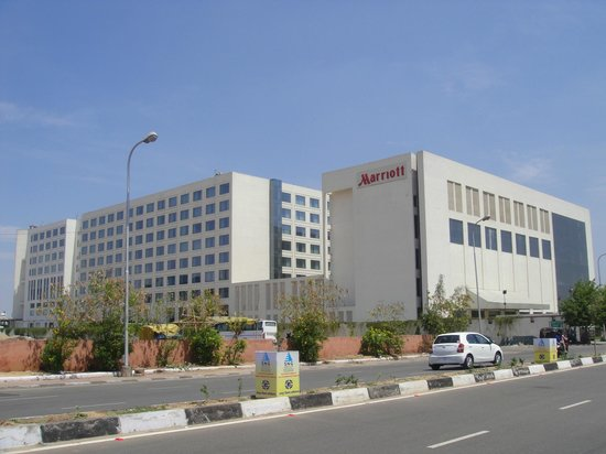 Compare Airport Hotel And Parking