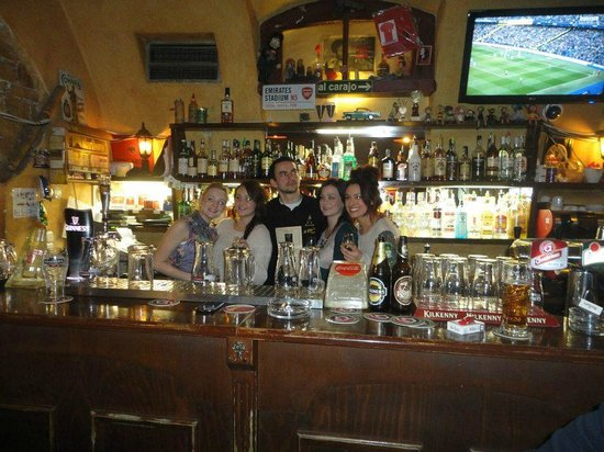 O'Che's bar: behind the bar with 'Z'