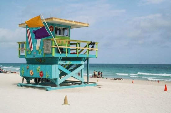 South Beach Lifeguard Huts In The Art Deco Style