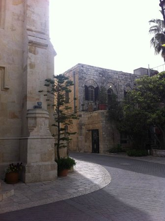 Christ Church Guest House: Chiostro