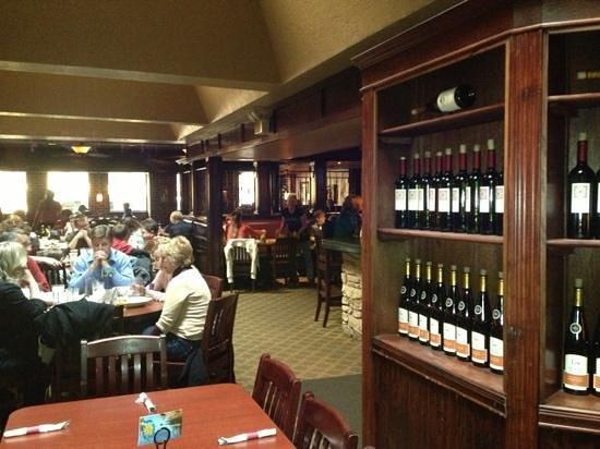 Cugino's: dining room