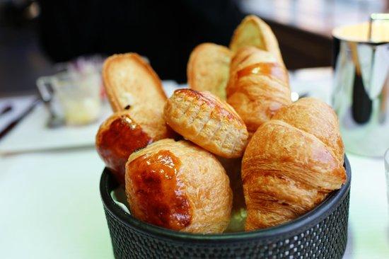 Le Chateau de Beaulieu: Breakfast patries