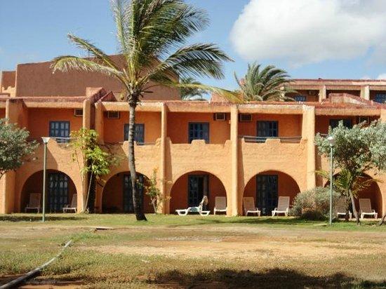Costa Caribe Beach Hotel & Resort: Fachadas de las habitaciones