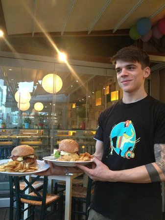 Kozi's: Aris and our pounder-burgers