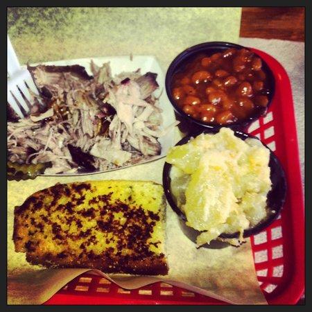 Moe's Original Bar B Que: Pulled pork, grilled cornbread, baked beans, baked apples.