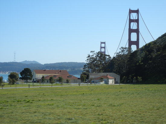 Cavallo Point: Golden Gate Bridge from the old parade grounds