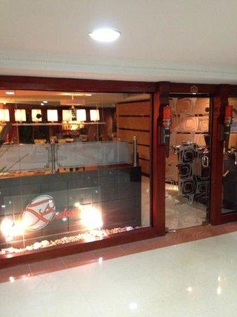 Hotel Mara Inn: un café del hotel