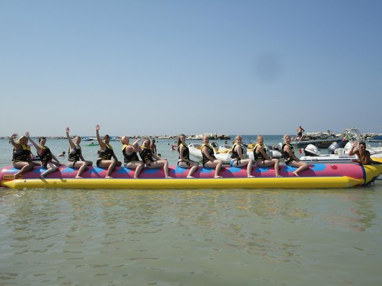 Noleggio Bagni 73 Cattolica: Divertiti in Banana Boat - Fly Fish - Para Fly - Sci Nautico e Wakeboard con noi!!