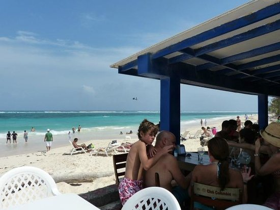 Restaurante El Paraiso : Terrraza y playa