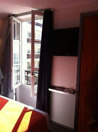 Hotel du Cadran Tour Eiffel: camera doppia standard - vista punta Tour Eiffel