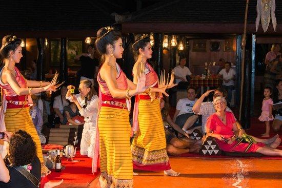 Dancers - Bild von Old Chiangmai Cultural Center, Chiang Mai - TripAdvisor