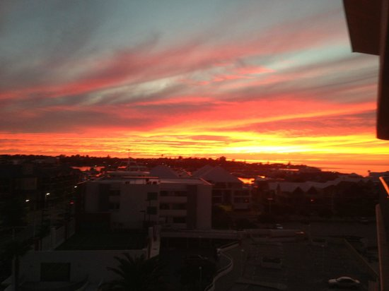 Seashells Mandurah : sunset from our 5th floor balcony, was awesome