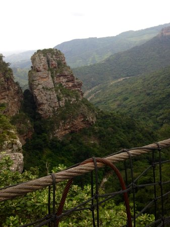 Oribi Gorge Hotel: View of Gorge from suspension bridge