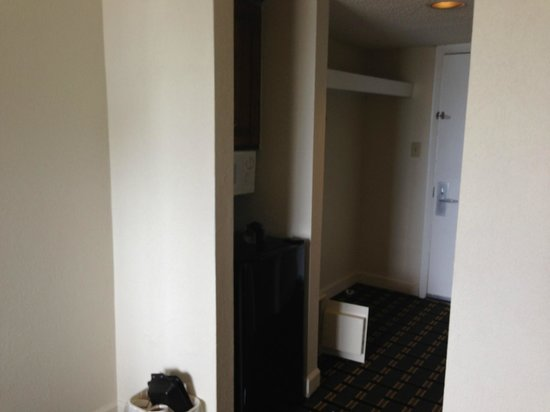 Quality Inn & Suites Myrtle Beach: small fridge, microwave, iron