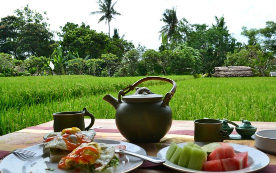 Bayu Guest House: breakfast