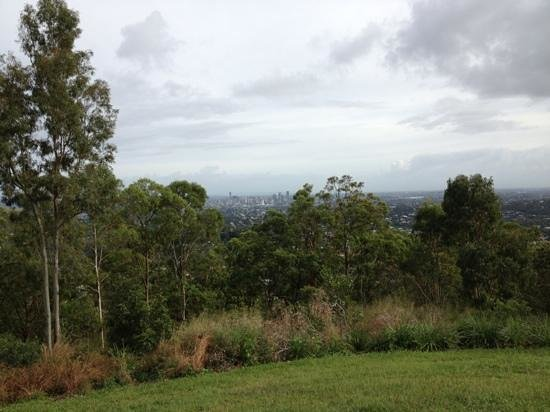 Mount Gravatt Lookout: view to CBD