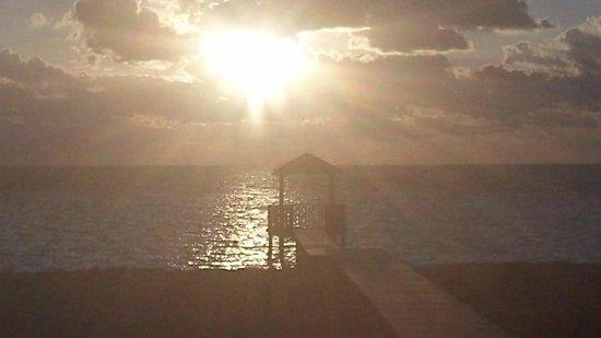 Gran Caribe Club Villa Cojimar: VUE DE LA CHAMBRE