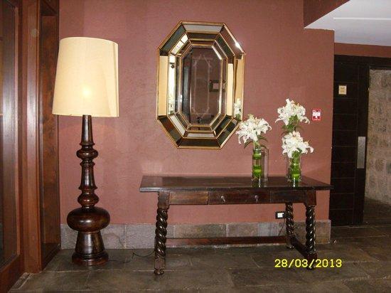 JW Marriott El Convento Cusco: ADORNOS DEL HOTEL