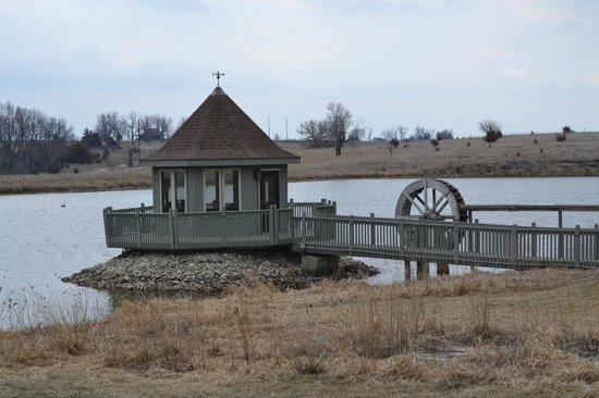 Hatfield Lakes Iowa: Gazebo fairly close by, you can fish right off the dock of it!