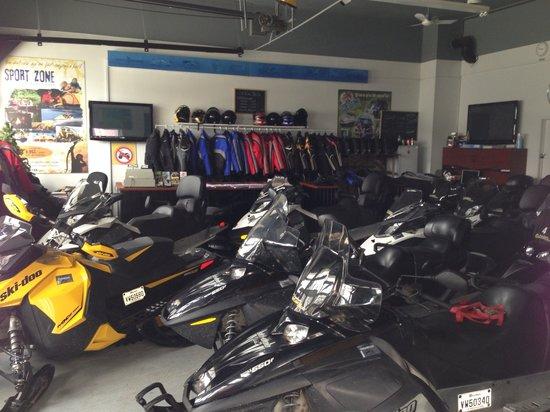 Aventure Hors Limite Inc: Location de motoneiges
