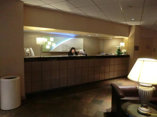 Holiday Inn Seattle - Issaquah: front desk