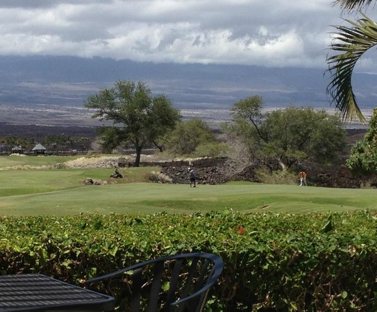 Waikoloa Kings' Course: View from Kings' Grille overlooking 18th green
