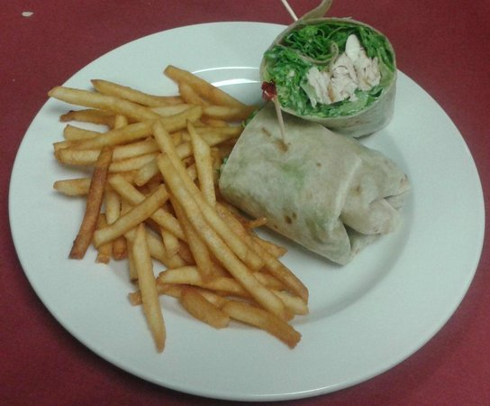 Kings' Grille: Chicken Ceasar Wrap