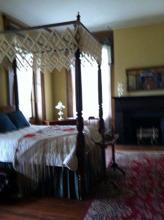 Lockerly Arboretum: Upstairs bedroom at the mansion