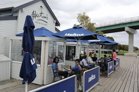 Hector's Cafe on the Wharf: The bridge leading to the River Murrays Mouth in the back ground