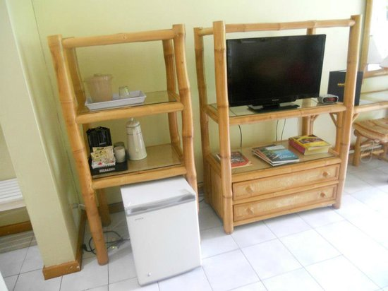 Toby's Resort: furniture in the room