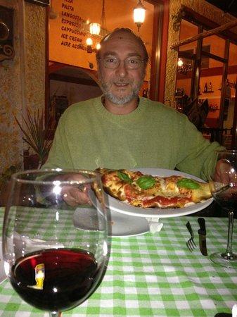"""Cariocas Pizzas Holbox: comiendo el """"Calzone Napolitano"""""""