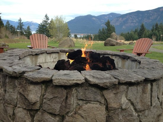 Fire pit on patio of Skamania Lodge