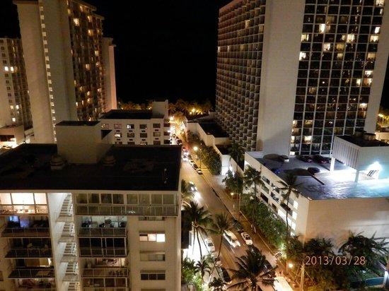 Hyatt Place Waikiki Beach: 夜景