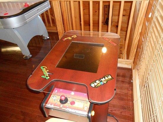 Starr Crest Resort: Loft Arcade Game