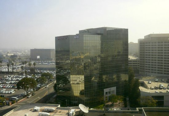 Sheraton Gateway Los Angeles: View from outside my hotel room