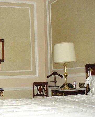Hotel Maria Cristina, a Luxury Collection Hotel, San Sebastian: Bedroom corner