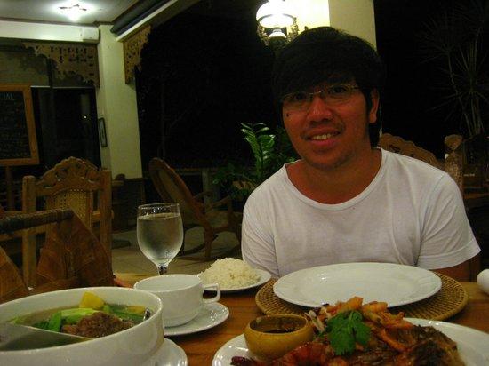 Amarela Resort: Let's eat....