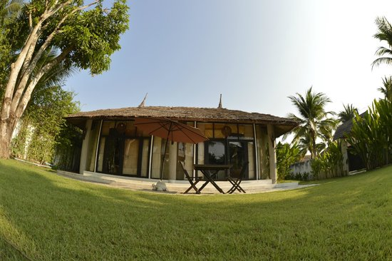 Dhevan Dara Resort & Spa Hotel: front view