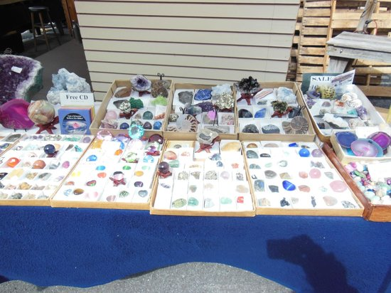 The Green Dragon Farmer's Market: The Green Dragon: Rocks/Gems for sale