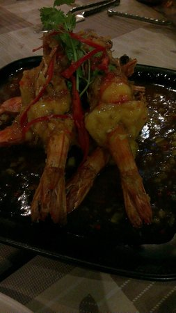 Bamboo Kitchen : BBQ Tiger Prawns with 3 taste sauce