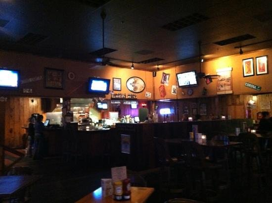 McFarlin's Bar and Grill: great atmosphere