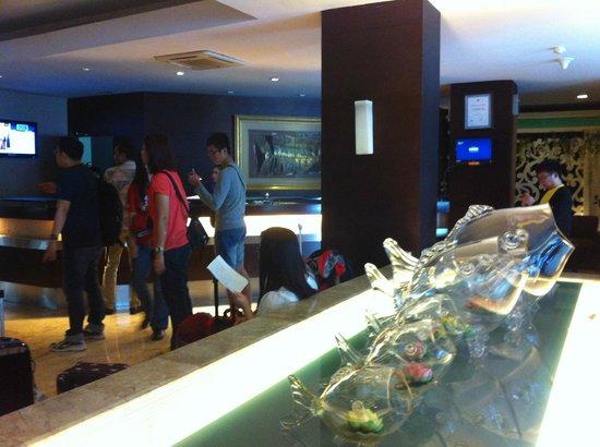 Serela Riau Bandung: Lobby