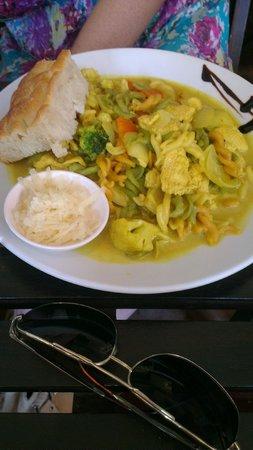 Unni's Restaurant: Green curry pasta